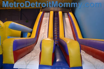 Bounce House – Harper & 9 1/2 in St. Clair Shores