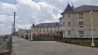 Hotel Breakers - Cedar Point