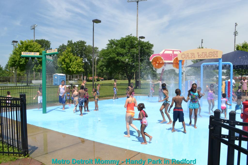 Handy Park Splash Pad in Redford