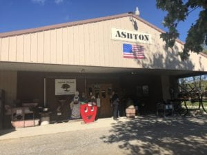 Ashton Orchard Cider Mill sells fruits, vegetables, bakery items and apple cider. They have a bakery, shop, picnic area and children's play area.