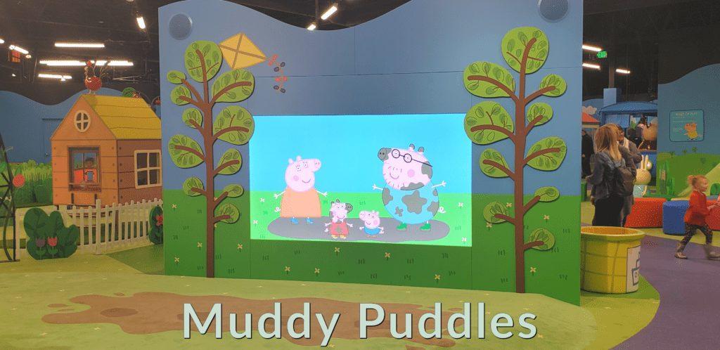 Peppa Pig World of Play Great Lakes Crossing Outlet Muddy Puddles