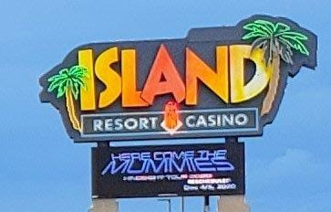 Island Resorts & Casino in Harris