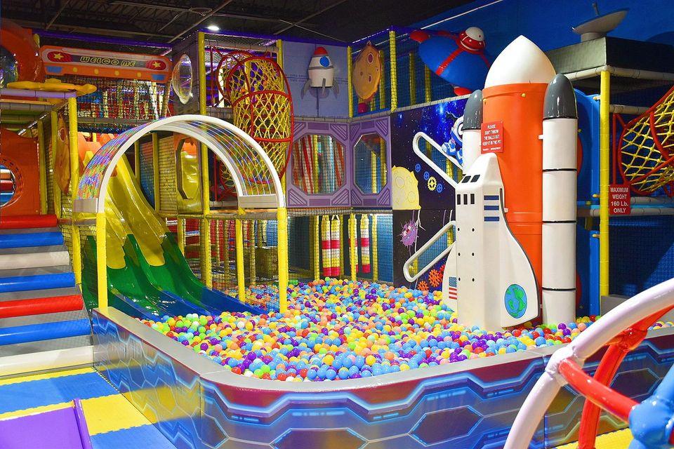 Yoyo's Fun Center in Westland