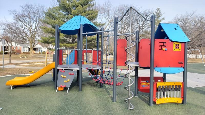 Sullivan Park in Royal Oak Toddler Play Structure.