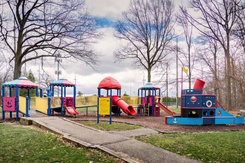toddler playground in oak park