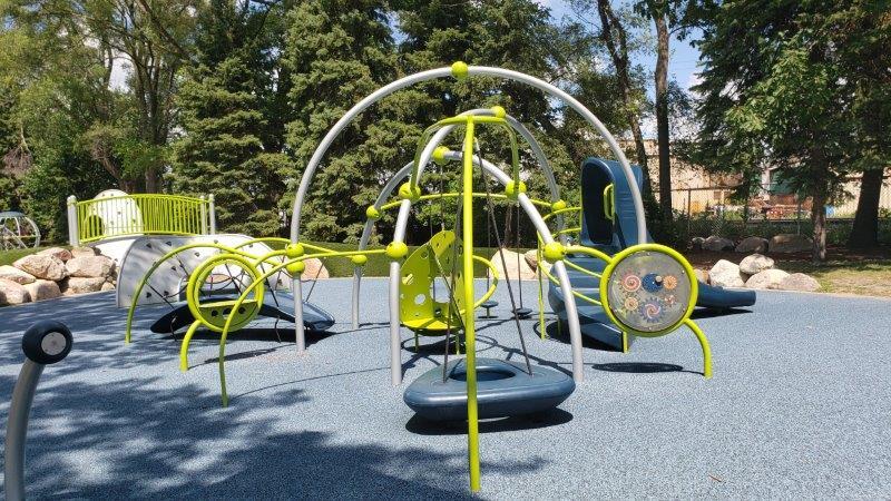 Gainsboro Park in Pleasant Ridge (20)