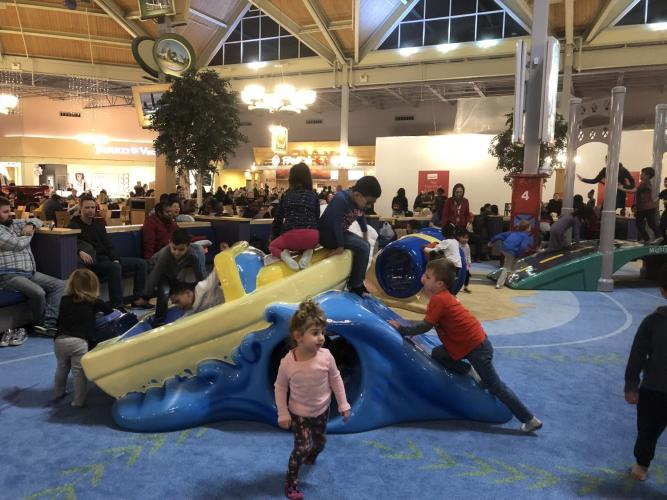 Great Lakes Crossing Play Area