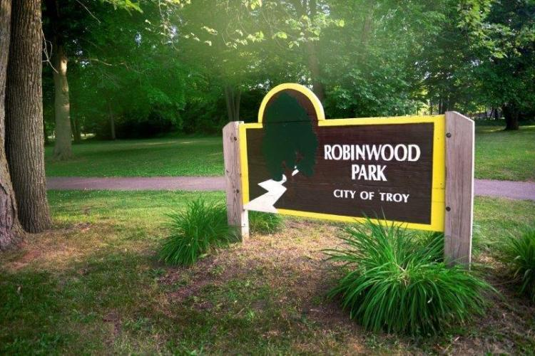 Robinwood Park in Troy (1)
