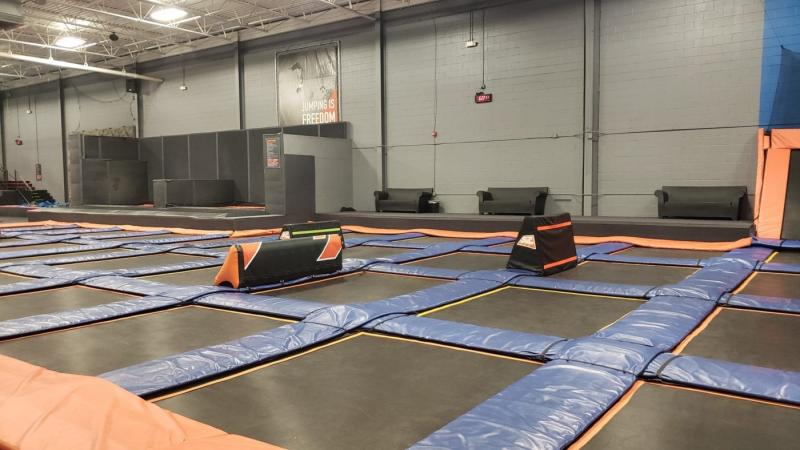 Sky Zone Canton Freestyle Jump with Parkour Blox