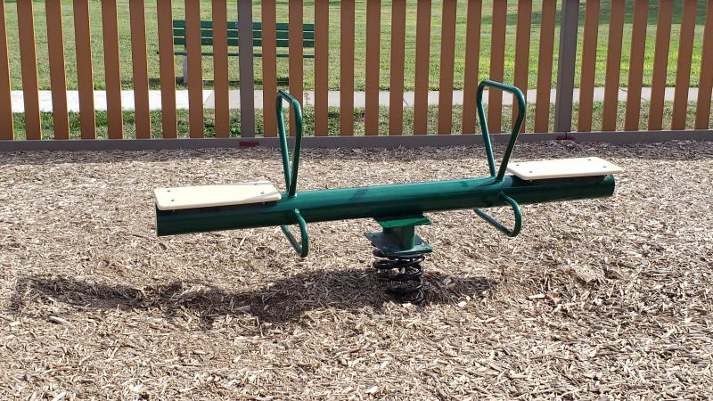 scout park - toddler area structure teeter (1)